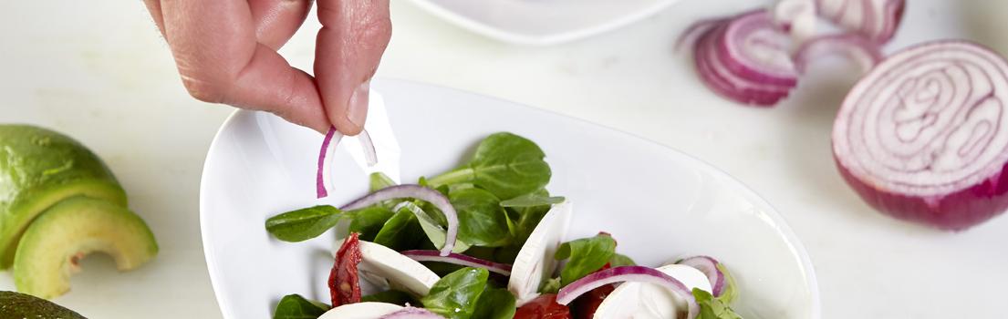 Salade champignons oignons tomates