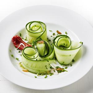 Dressage assiette concombre cuisine
